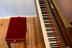 Auf Anfrage: Renting my piano